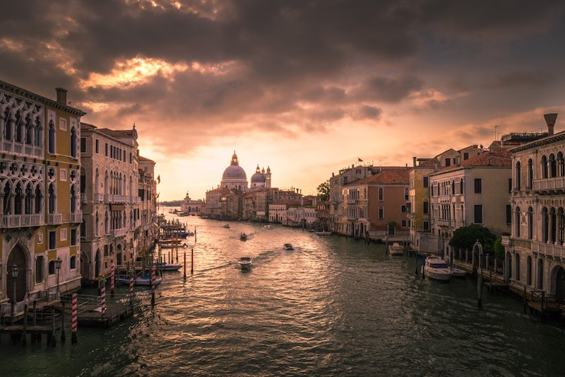 images of italy, dragonfly tours, venice canal, venice
