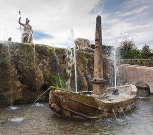 Villa d'este: The Rometta fountain in the garden of the Villa d'Este in Tivoli.